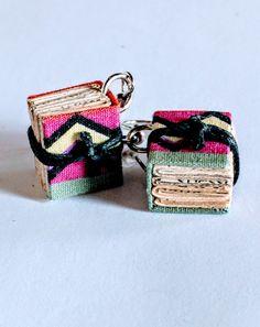 Orecchini libro, da riciclo creativo - Biblio-earrings, by creative reuse di ManiPrecise su Etsy