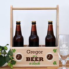 Für den Premium Biergenießer - und alle, die es noch werden wollen - ist diese edle Holzkiste für 3 Flaschen Lieblingsbier eine sehr sinnvolle Geschenkidee.