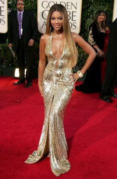 Beyonce Knowles wearing a gold sequinned dress | Jeans for curvy women | Jeans for curvy women