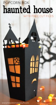 Using your Cricut or other cutting machine, make this fun Halloween haunted house candy box! Using your Cricut or other cutting machine, make this fun Halloween haunted house candy box! Dulceros Halloween, Bonbon Halloween, Adornos Halloween, Manualidades Halloween, Halloween Haunted Houses, Halloween Cards, Holidays Halloween, Halloween Decorations, Halloween Paper Crafts