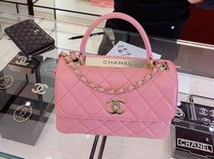 Pink Chanel Bag, Chanel Purse, Chanel Handbags, Purses And Handbags, Ladies Handbags, Kate Spade Handbags, Louis Vuitton Handbags, Luxury Purses, Luxury Bags