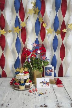 Spellbinders- Use the Fringed Garland Die and the Star Die to create the backdrop for your next party. Change the colors to match your theme. Created by Michelle Ridge.