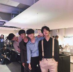 boy, asian, and ulzzang image Cute Asian Guys, Cute Korean, Korean Men, Asian Boys, Asian Men, Cute Guys, Asian Girl, Korean Boys Ulzzang, Ulzzang Couple