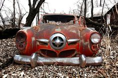 #Studebaker winking, slipping into #Nature. #Classic #Beauty #RustinPeace