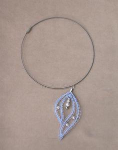 Collier ras du cou mariage en dentelle blanche et perles fantaisie nacre : Collier par pfenninger