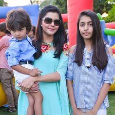Nida Yasir is a wife of Yasir Hussain Nawaz. They have three adorable children. Tv Actors, Actors & Actresses, Nida Yasir, Bridal Hair Tutorial, Best Free Wordpress Themes, Pakistan Fashion, Pakistani Actress, Bollywood Stars, Celebs