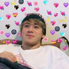 La imagen puede contener: 4 personas, interior Heart Meme, My Bebe, Freestyle Rap, Aesthetic Stickers, Wholesome Memes, My Crush, My King, Overlays, Iphone Wallpaper