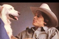 George Strait with a dog in 1982 in Strait From The Heart photo session George Strait Pure Country, George Strait Family, Best Country Singers, Country Musicians, Joyce Taylor, Country Boys, Top Country, Photo Heart, Cool Countries