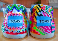 These are such cute toms! Stilettos, Uggs, Painted Toms, Sharpie Art, Sharpie Projects, Sharpies, Diy Projects, Kids Toms, Shoes 2015