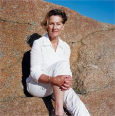 """From March 19 to June 2014 , the National Gallery of Oslo will host the exhibition """"Mette Tronvoll. Portraits of Queen Sonja, """" which features photographs of the Queen Sonja of Norway taken by photographer Mette Tronvoll. Elizabeth Ii, Saint Sylvestre, Norwegian Royalty, Noblesse, Prince Albert, Royal Fashion, Panama Hat, Norway, Queen"""