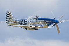 Vintage Aircraft Mustang in flight - Ww2 Aircraft, Fighter Aircraft, Military Aircraft, Fighter Jets, Cadillac, Photo Avion, Bomber Plane, P51 Mustang, Engin