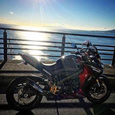 【take1958】さんのInstagramをピンしています。 《おはようございます😊 #東伊豆 #冬晴れ #快晴 #海 #朝駆け  #GSX−S1000F #suzuki #biker  #motorcycle #motorbike #ride  #ライダー朝活部 #バイクが好きだ  #ファインダー越の風景 #bj_mycar  #visit_motorcycle#luky_transports》