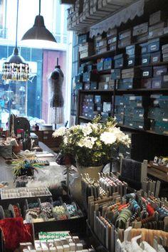 Ribbon shop!! 4 Rue de Choiseul 75002 Paris