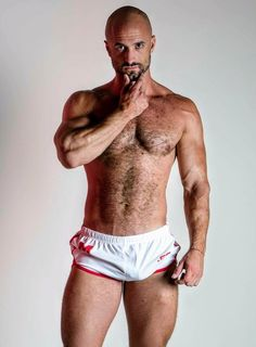 Mw Bald Man, Man Photo, Hairy Men, Man Crush, Looks Great, Hot Guys, Twitter, Cool Photos, Crushes