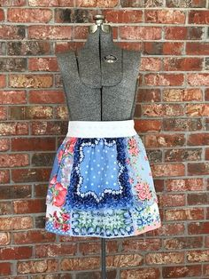 Hankie Apron all from antique linens. Linens, Apron, Two Piece Skirt Set, Antiques, Jeans, Skirts, How To Wear, Dresses, Design