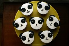 Everybody Loves To Panda Party by { coco cake cupcakes }, via Flickr