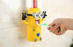 So macht Zähneputzen Spaß :-). Das Zahnpastaspender Männchen mit Zahnbürstenhalter und Zahnputzbecher ist die perfekte Geschenkidee für kleine und große Kinder. Einfach ohne Bohren an...