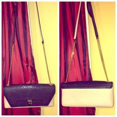 Kate spade clutch Cute clutch bag hardly used! Willing to accept offers  kate spade Bags Clutches & Wristlets