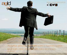 Algumas pessoas sonham com o sucesso, outras levantam cedo e batalham para alcança-lo. Eike Batista