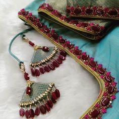 Hand Work Blouse Design, Simple Blouse Designs, Silk Saree Blouse Designs, Stylish Blouse Design, Bridal Blouse Designs, Saree Tassels Designs, Saree Kuchu Designs, Hand Embroidery Dress, Embroidery Neck Designs