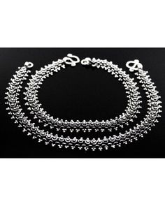 Fashion Anklets Bracelets - Add flare to your style, express your creativity Silver Jewellery Indian, Black Gold Jewelry, Royal Jewelry, I Love Jewelry, Women Jewelry, Wing Earrings, Rhinestone Earrings, Cute Gifts For Her, Indian Accessories