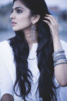 New hair black photography character inspiration ideas Black Photography, Photography Poses Women, Hair Photography, Saree Poses, Indian Photoshoot, Saree Photoshoot, Oxidised Jewellery, Silver Jewellery, Antique Jewelry