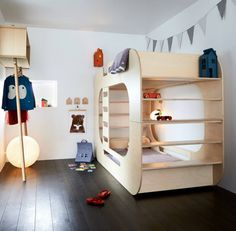 IO Kids Design Via Design for kids How functional bunk beds for kids are! If we choose one of these great designs we will have the perfect options for a shared room for siblings. Kids save space and kids find them really funny. They consider them a great Bunk Beds Boys, Full Bunk Beds, Bunk Beds With Stairs, Kid Beds, Loft Beds, Convertible Bunk Beds, Tidy Books, Library Books, Modern Bunk Beds