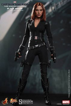 Figura Black Widow 30 cm. Capitán América: El Soldado de Invierno. Escala 1/6. Hot Toys Preciosa y sexy figura totalmente articulada y 100% oficial de Black Widow (La Viuda Negra), de 30 cm de altura aprox., y fabricada en PVC perteneciente a la película Capitán América: El Soldado de Invierno.