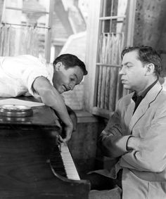Gene Kelly and Oscar Levant in An American in Paris (1950)