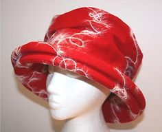 Red and white wool hat with wide turn up