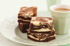 Brownie marbré facile au thermomix. Voici une recette de gâteau de brownie marbré, facile et simple a préparer chez vous avec le thermomix.