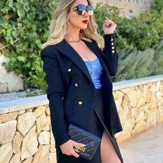 Luxury life (@luxxury__lifee) • Instagram photos and videos Lux Fashion, Luxury Life, Blazer, Photo And Video, Chic, Videos, Instagram Posts, Photos, Jackets