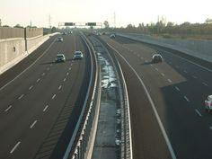 ROMA. Traffico intenso ma non c'è esodo. In fila sull' A14