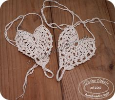 Kayla Barefoot Sandals - Simple, free and heart shaped crochet barefoot sandals, the Kayla pattern (in pdf form), from Crochet Gratis, Free Crochet, Knit Crochet, Double Crochet, Single Crochet, Doilies Crochet, Crochet Coaster, Russian Crochet, Crochet Sandals