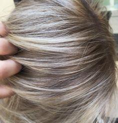 That blend !! ✨ • • • • • #jilmorrishair #blonde #blondehair #balayage #rootshadow #rootsmudge #highlights #balayagehighlights #ombre #balayageombre #hair #haircut #hairstyle #hairdo #haircolor #haircare #joico #hotonbeauty #americansalon #behindthechair #btcpics #1000orbust #modernsalon #bescene #imallaboutdahair #beautylaunchpad #fiidnt #style #fashion #womensfashion
