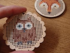 Cross stitch freebies - fox and owl. These are done on a wooden disc but could easily be adapted to regular cross stitch. Here is the link for the fox pattern: http://lucykatecrafts.blogspot.com/2012/03/foxy-fox.html