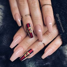 "7,970 Me gusta, 63 comentarios - TheGlitterNail Get inspired! (@theglitternail) en Instagram: ""✨ REPOST - - • - - Nude GUCCI Nails - - • - - Picture and Nail Design by @philglamournails …"""