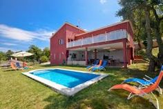 How Costa Blanca villas provide charming environment for superb vacations?