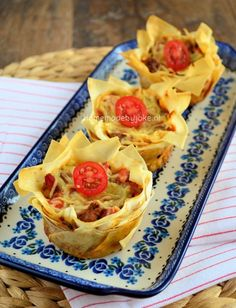 Italiaanse filodeeg quiches - Homemade by Joke Tea Snacks, Party Snacks, Dutch Bakery, Good Food, Yummy Food, Fun Food, Savoury Baking, Vegan Christmas, Happy Foods