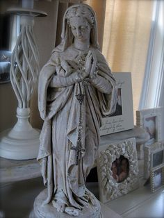 my new mother mary statue <3