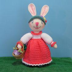 Bunny Rabbit free crochet pattern by Sue Pendleton