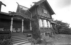 Fra Slemdalsveien 95, Oslo 19.06.1961. Hus i dragestil.