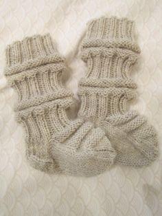 Prinsessajuttu: Junasukat Easy Knitting, Some Ideas, Baby Knitting Patterns, Fingerless Gloves, Arm Warmers, Baby Kids, Artisan, Socks, Crochet