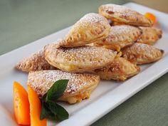Cream Cheese and Apricot Empanadas - QueRicaVida.com