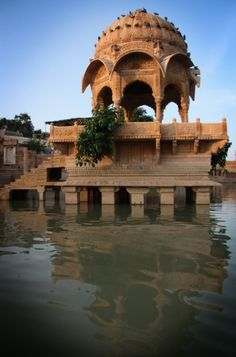 This beautiful example of Indian architecture really captures the tranquility of the country.