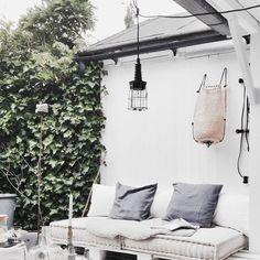 MATRASKUSSENS – Maak je eigen stoere loungehoek met onze unieke en stoere matraskussens lounge. De kussens zijn handgemaakt in Marokko! Elk exemplaar is uniek! Bron: Pinterest