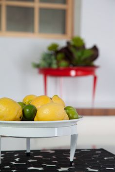 This luxurious Loft Mod Dish that is individually spun by hand with machinery that dates back to the early will make you the envy of all your neighbors Modern Planters, Indoor Planters, Indoor Gardening, Planter Pots, Lime, Dishes, Fruit, Unique, Food