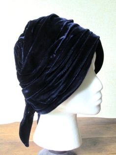 Clochet Hat 1920s flapper style vintage 60s mad by MySoftParade