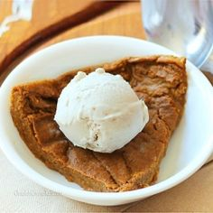 Crustless pumpkin pie. Under 450 calories for not just a slice, but for the ENTIRE pie!