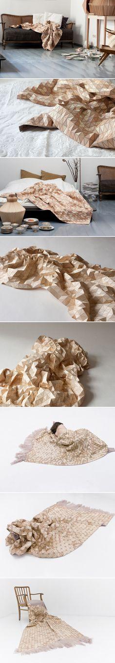 Wooden-Textiles, Elisa Strozyk, 120 cm x 180 cm, textile à base de plaques de bois de 0,6 mm, pour une utilisation en tapis et/ou couverture bois, tapis, plis, tapis, textures